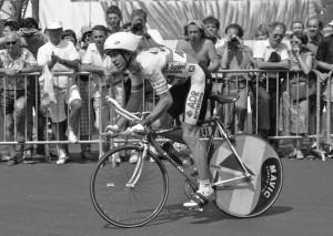 GregLeMond.1989_Tour_de_France_st_21.TT-crop_(2)