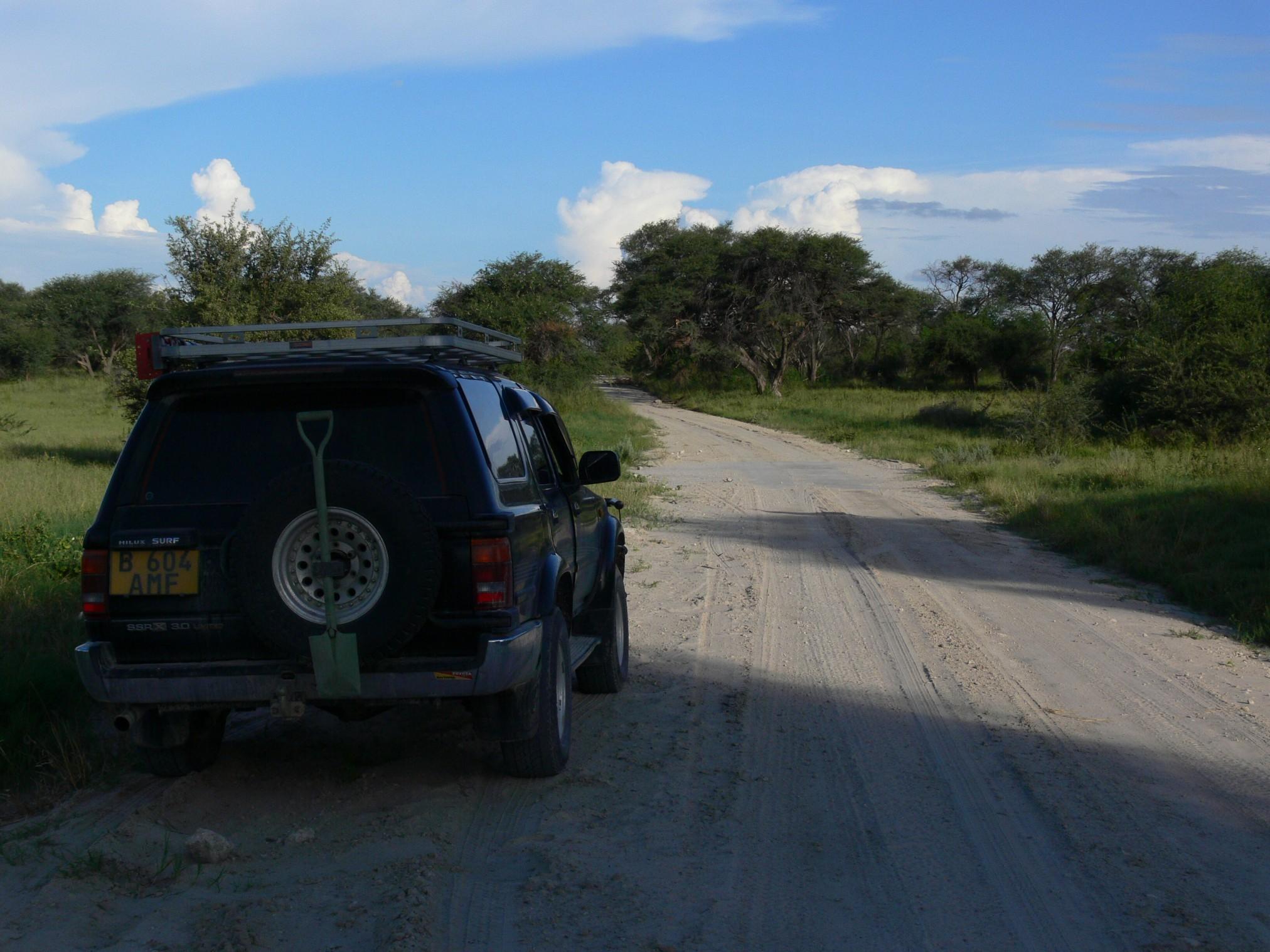 Geländewagen in Camp Kazikini