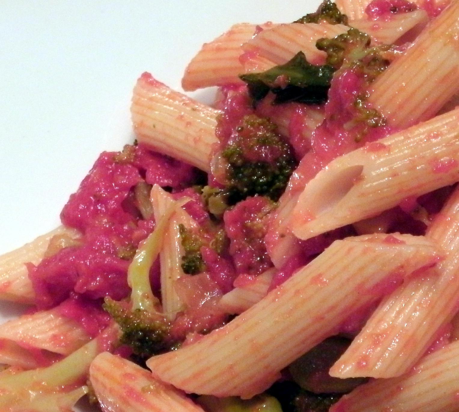 Pasta mit Broccoli und Tomaten