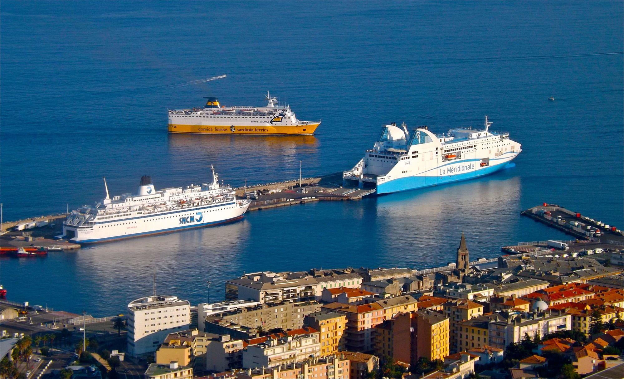 Foto: Louis Moutard-Martin (shipmania.jimdo.com) (Own work) [CC-BY-SA-3.0], via Wikimedia Commons