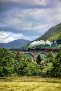 train, hogwarts, scotland
